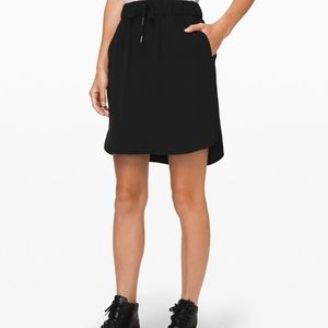 NWT Lululemon on the fly skirt *woven